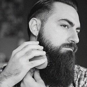 Brossage de la barbe