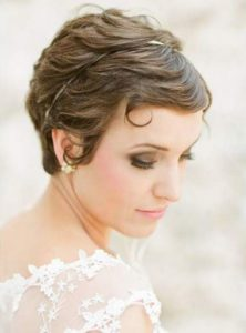 Tutoriel coiffure cheveux courts mariage
