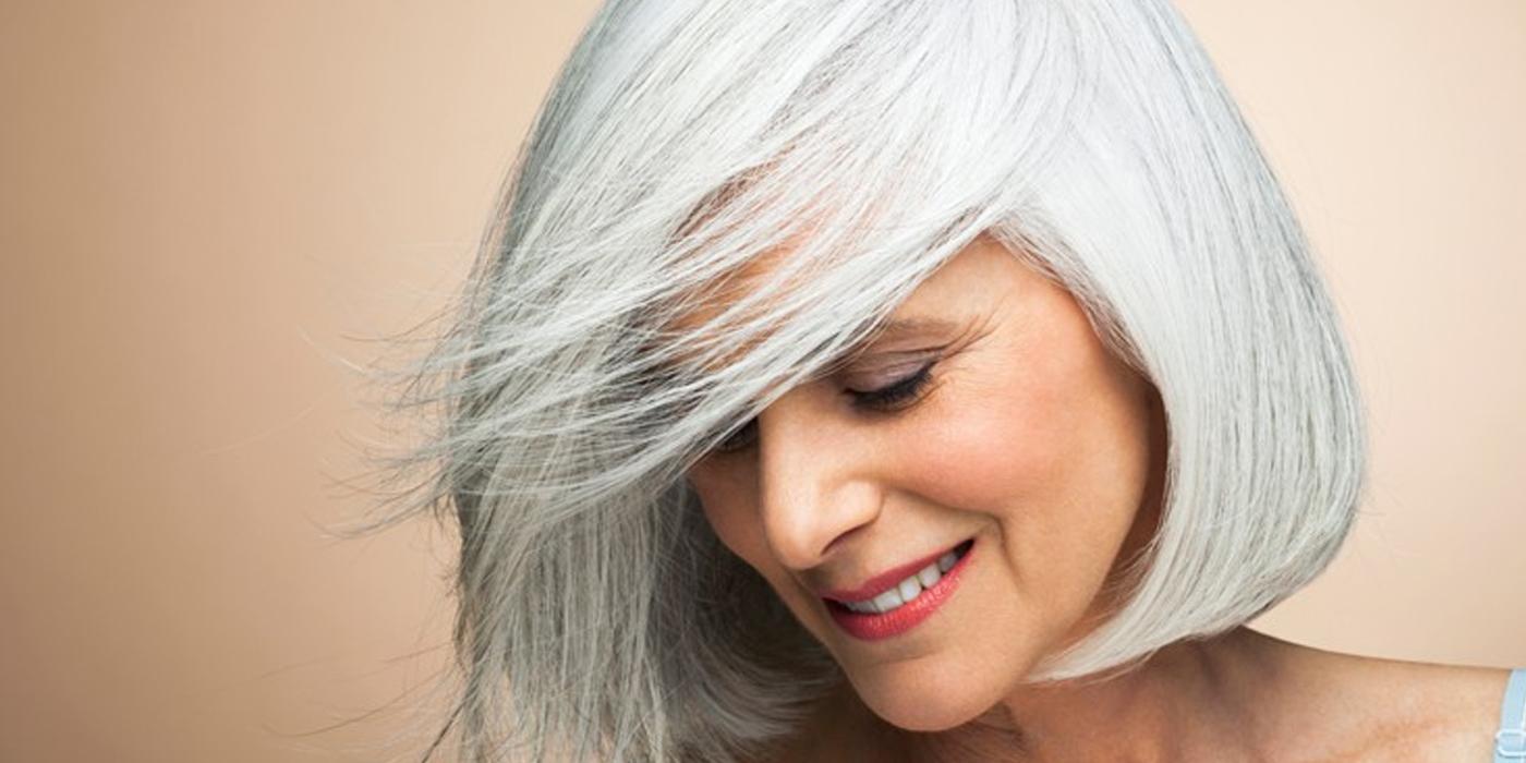 Nos idées coiffure pour les cheveux blancs - Douce Evasion
